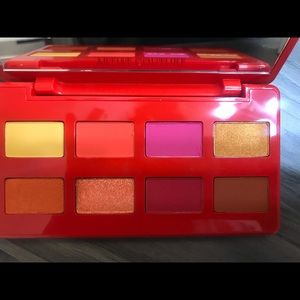 Artist couture Caliente Hot+Spicy Summer Palette